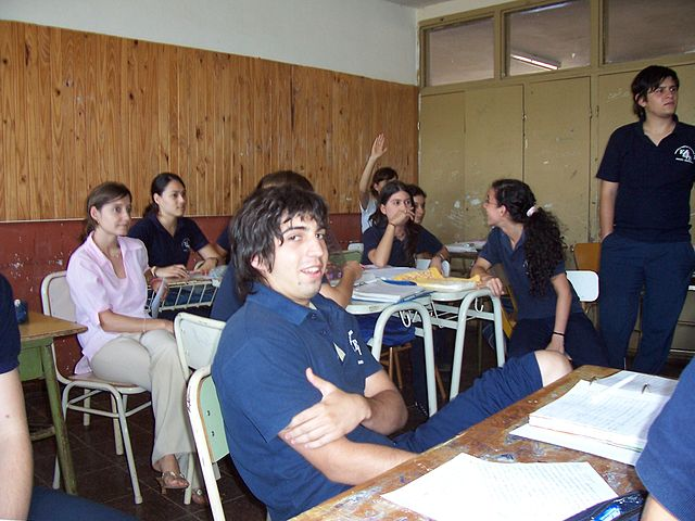 Students.Escuela_normal.JPG