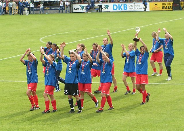 Soccer.UEFA-Women's_Cup_Final_2005_at_Potsdam_5.jpg