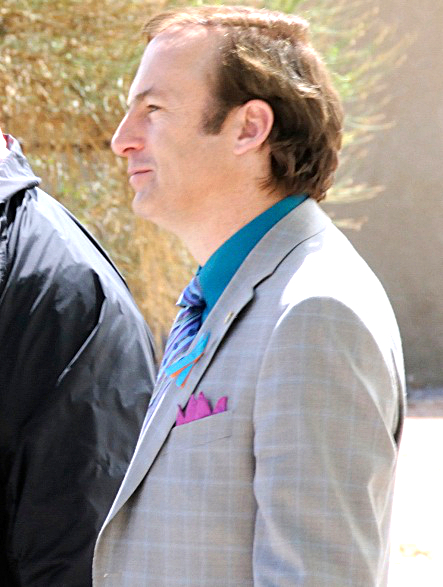 Bob_Odenkirk_as_Saul_Goodman_during_shooting_Breaking_Bad.jpg